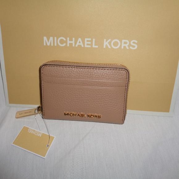 45e6f77e9d8c Michael Kors Bags   Jet Set Travel Zip Card Case Wallet   Poshmark